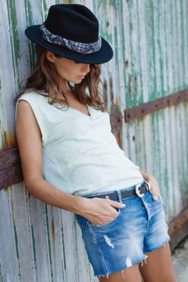 Short en jeans Lola bleu destroy