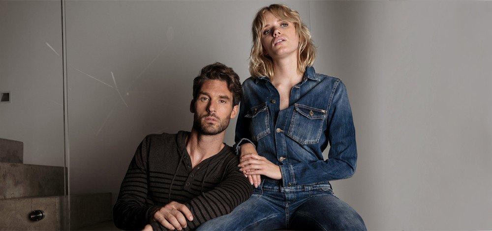 Women's look : chic in jeans jumpsuit